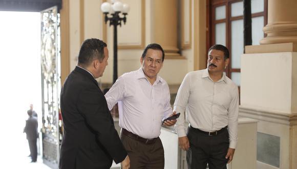 Vega consideró que el gobierno debe explicar los planes que tiene para reactivar la economía. (Foto: GEC)