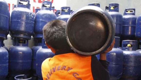 """El """"Vale de Descuento GLP"""" pertenece al FISE y consiste en un descuento de S/ 16 para la compra de un balón de gas GLP de hasta 10 kilos (Foto: Andina)"""