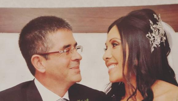 Javier Carmona y Tula Rodríguez el día de su matrimonio. (Foto: @tulaperu)