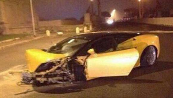 Fútbolista no sabía manejar y estrelló lujoso Lamborghini