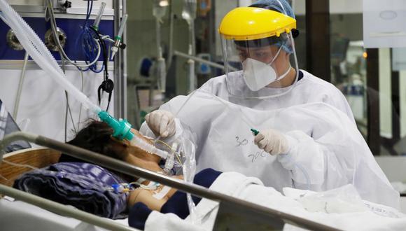 Datos de la Organización Mundial de la Salud (0MS) indican que América registra ya 66,8 millones de casos y 1,6 millones de muertes por coronavirus. (EFE/Carlos Ortega/Archivo).