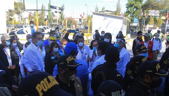 El presidente Martín Vizcarra, la ministra de Salud Pilar Mazzetti y la titular de Essalud Fiorella Molinelli tuvieron que ser resguardados por la policía en su paso por Arequipa, el pasado fin de semana.