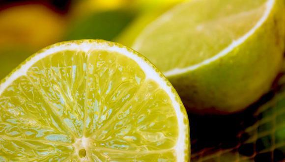 Cortar el limón en dos y estrujarlo al máximo ya no será todo un reto en búsqueda de más zumo. (Foto: Pixabay)