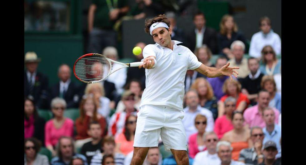 Roger Federer ganó su séptimo Wimbledon al derrotar al local Andy Murray por 4-6, 7-5, 6-3, 6-4. (Foto: AFP/Reuters)