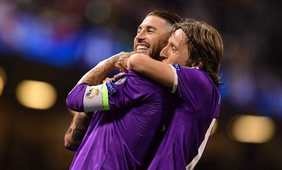 Modric y Ramos. (Foto: AFP)