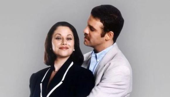 """Ari Telch y Angélica Aragón protagonizaron la exitosa telenovela mexicana """"Mirada de mujer"""". (Foto: TV Azteca)"""