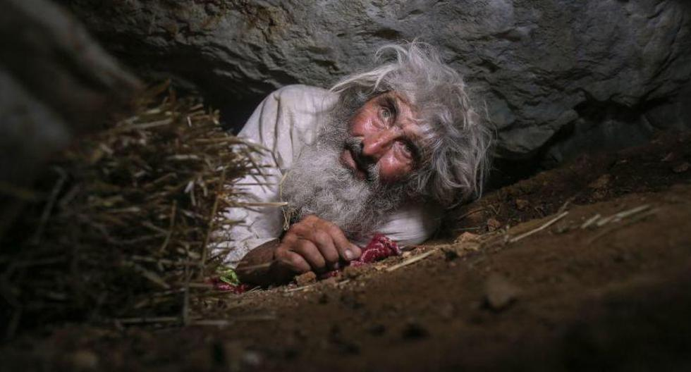 The man who has lived for twenty years in a cave and only came out to get vaccinated for coronavirus