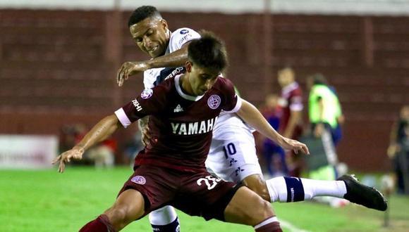 Alexi Gómez cometió tremenda falta en el duelo entre Lanús vs. Gimnasia por la Superliga Argentina | VIDEO. (Foto: Twitter Lanús)