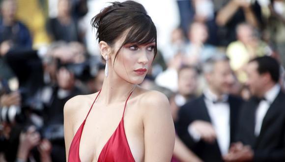 """Bella Hadid posó en 'topless' para la revista """"Vogue"""""""
