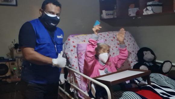 La señora Olinda Espinoza de Vera, de 101 años, recibió su DNI y ahora podrá ser vacunada contra el COVID-19   Foto: Reniec