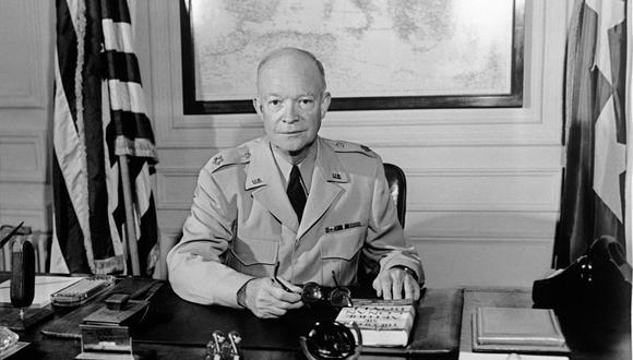 Dwight Eisenhower sufrió un derrame cerebral en medio de una reunión en la Casa Blanca en 1957. (Foto: SHAPE / AFP).