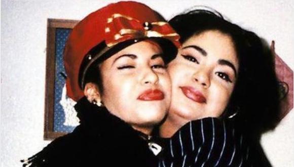 Selena y su hermana Suzette Quintanilla eran muy unidas, ambas formaron parte del grupo musical Los Dinos (Foto: Getty Images)