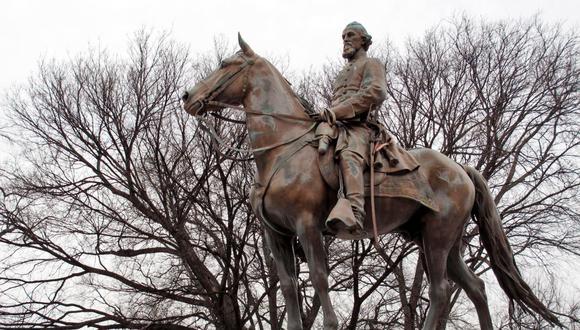 Nathan Bedford Forrest fue un destacado general del ejército confederado favorable a la esclavitud durante la Guerra Civil estadounidense. Una estatua de Forrest fue retirada de un parque de Memphis en 2017. (Foto: Adrian Sainz / Archivo AP)
