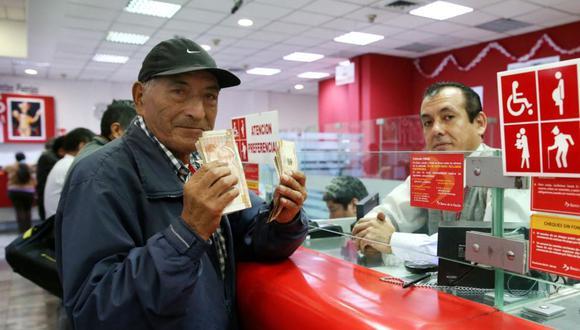 El bono extraordinario a los pensionistas de la Oficina de Normalización Previsional (ONP) de 930 soles, aprobado por el gobierno, empezará a pagarse a partir del 11 de enero.  (Foto: Andina)