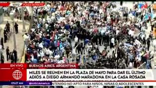 Miles de argentinos se reúnen en la Plaza de Mayo para dar el último adiós a Diego Maradona
