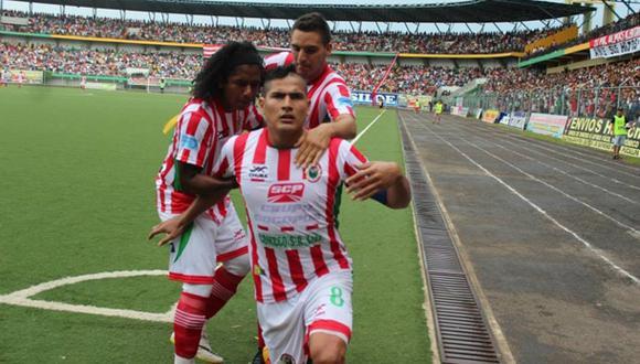 Sport Loreto goleó 4-1 a Ayacucho FC y logró su primer triunfo