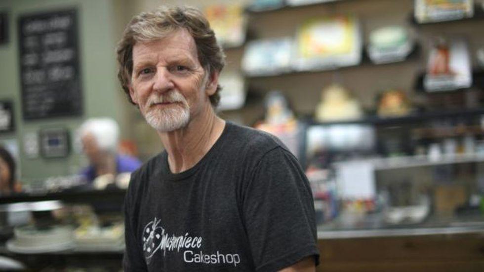 El caso de Jack Phillips, dueño de la pastelería Masterpiece Cakeshop, en Lakewood, Colorado, que se opuso a hornear un pastel para la boda de dos hombres tuvo un gran eco mediático y la Corte Suprema terminó por darle la razón. Foto: Getty images, vía BBC mundo