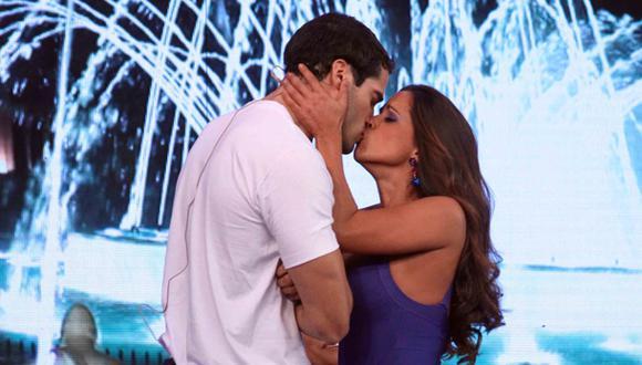 """Vanessa Terkes defendió beso a Guty Carrera: """"Fue solo un pico"""""""