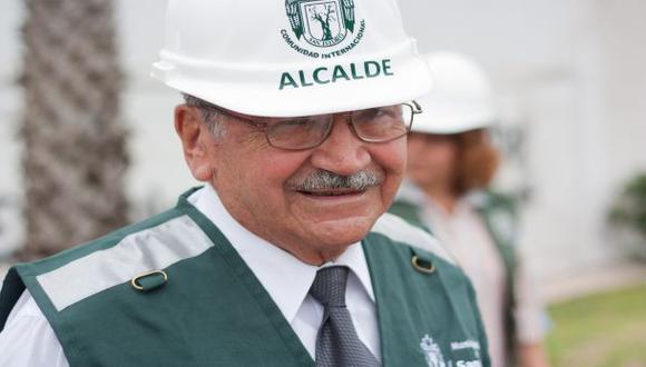 Concejo de San Isidro decidió vacar al alcalde Raúl Cantella