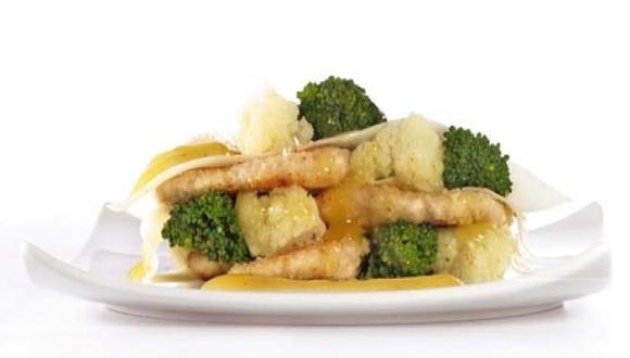 Lasaña abierta de pollo y verduras al curry