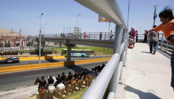 Vecinos se quejan por intercambio vial Alipio Ponce en SJM