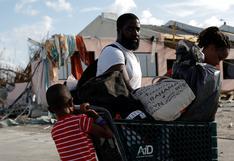Miles intentan abandonar el caos y la devastación causados por Dorian en Bahamas | FOTOS