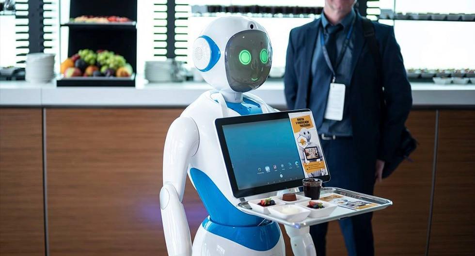 ¿Un mozo robot? En Budapest unos androides sirven los pedidos. (Enjoy Budapest Café). FOTO REFERENCIAL.
