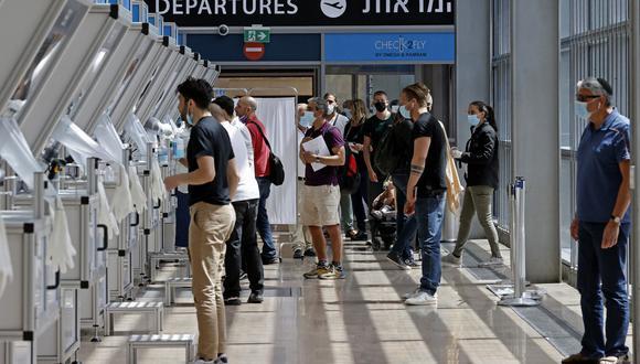Test rápido de coronavirus en el aeropuerto Ben Gurion en Israel. (Foto: AFP)
