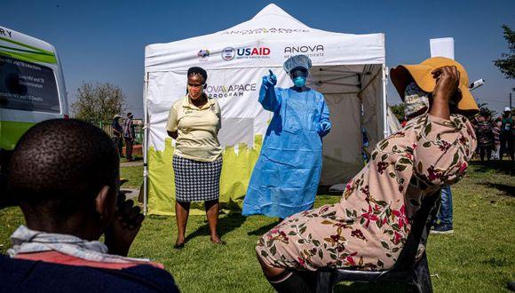 Foto referencial: hay más de 6,8 millones de contagiados de coronavirus en el mundo desde que se desató la pandemia / AFP / Emmanuel Croset