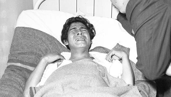 La mañana del 16 de octubre de 1965, Carlos Córdoba fue trasladado a una asistencia pública luego de desmayarse ante la policía. Los investigadores encontraron en la habitación del joven una terrorífica escena del crimen. (Foto: GEC Archivo Histórico)