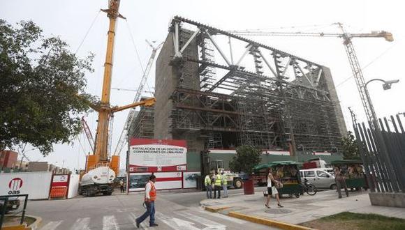 Los trabajos de madrugada (entre las 11:00p.m. y las 6:00 a.m.) de las constructoras Cosapi y OAS S.A. fueron suspendidos por la Municipalidad de San Borja, ello tras el reclamo de los vecinos por los ruidos molestos.(USI)