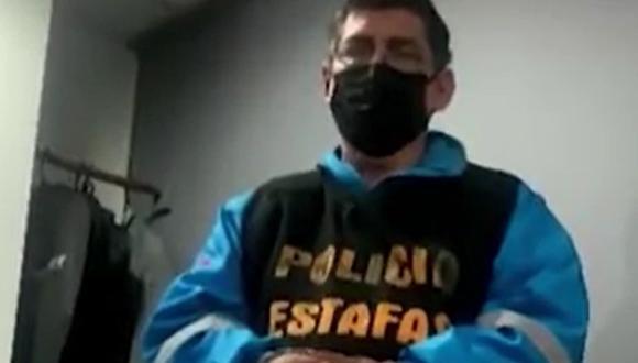 La División de Estafas de la Dirincri detuvo a un falso médico y sus dos cómplices cuando atendían a una persona en una vivienda de Surquillo | Foto: Captura de video América Noticias