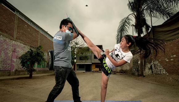 EN LA SANGRE. Melissa Huamán tiene como entrenador a su hermano Iván. El trabajo de ambos consiguió dos preseas en el último campeonato mundial virtual. (Foto: Luis Miranda)