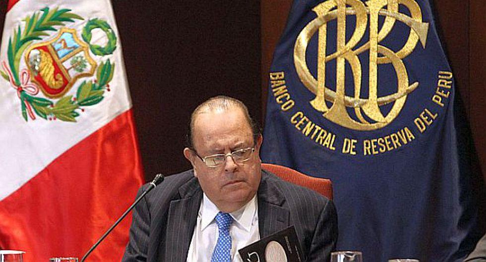 Velarde dice que evaluaría pedido para permanecer en el BCR