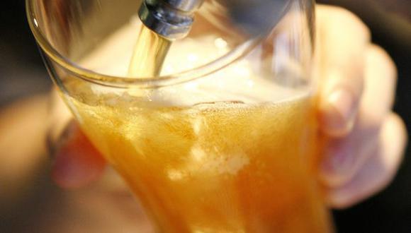 Poner cerveza en un vaso helado puede cambiarle el sabor. (Foto: Reuters)