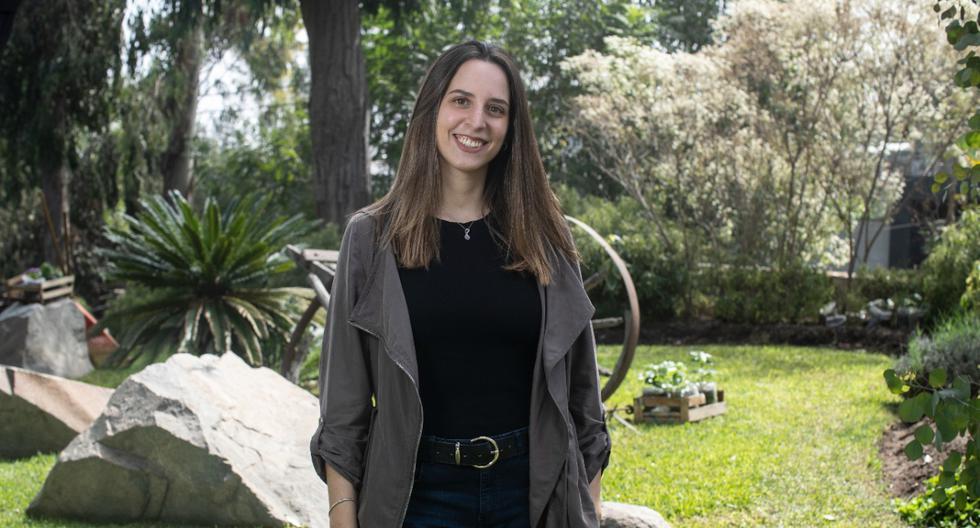 La docente Alexa Kossuth está interesada en temas de neurociencia y su influencia en los procesos educativos. Sobre eso hace divulgación a través de la cuenta de Instagram: La Neuronita. (Foto: César Campos)