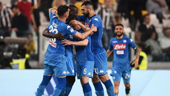 Napolí venció 1-0 a la Juventus en su visita a Turín y quedó a 1 punto de alcanzarlo en el primer lugar de la Serie 'A' (Foto: AFP)