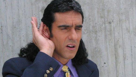 """""""Pedro, el escamoso"""" no es el típico galán: no es rico, no es guapo, no se viste bien, se cree buen bailarín (Foto: Caracol Televisión)"""