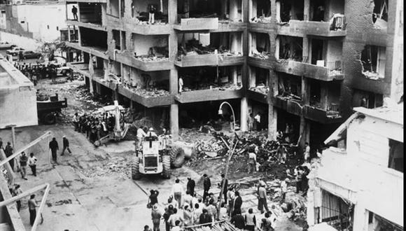 El mortal atentado fue perpetrado por el grupo terrorista Sendero Luminoso La explosión mató a 25 personas e hirió a otras 155, mientras que dejó a su paso varios edificios en escombros (Foto: cortesía Grupo In Memoriam Tarata 1992)