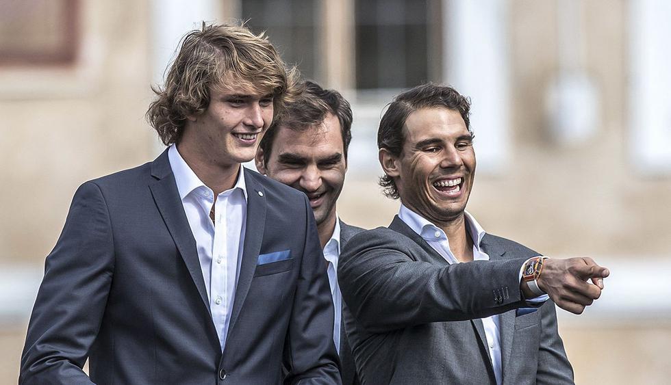 R3 PRAGA (REP⁄BLICA CHECA), 20/09/2017.- (d-i) El tenista espaÒol Rafael Nadal, el suizo Roger Federer, y el alem·n Alexander Zverev, durante la ceremonia de bienvenida de la primera ediciÛn de la Copa Laver, en la plaza Vieja de Praga, Rep˙blica Checa, hoy, 20 de septiembre de 2017. La Copa Laver tendr· lugar del 22 al 24 de septiembre en la capital checa. EFE/MARTIN DIVISEK