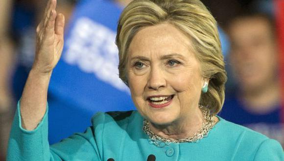 """Clinton: Trump tiene """"una visión oscura y divisiva para EE.UU."""""""