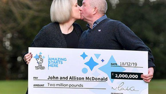 Una pareja británica ganó más de US$2 millones en la lotería, pero la mejor noticia para ellos vino tres días después, cuando se enteraron que su hijo de 15 años se recuperó del cáncer | Foto: The National Lottery