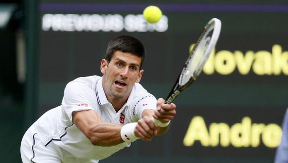Djokovic arrasó en debut de Wimbledon y pasó a segunda ronda