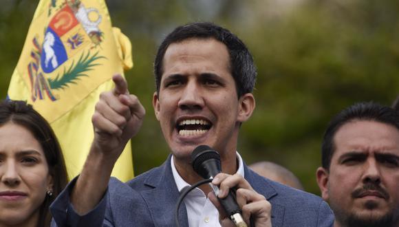 Venezuela: Fiscal Tarek William Saab prohíbe a Juan Guaidó salir de Venezuela y congela sus cuentas. (Bloomberg).