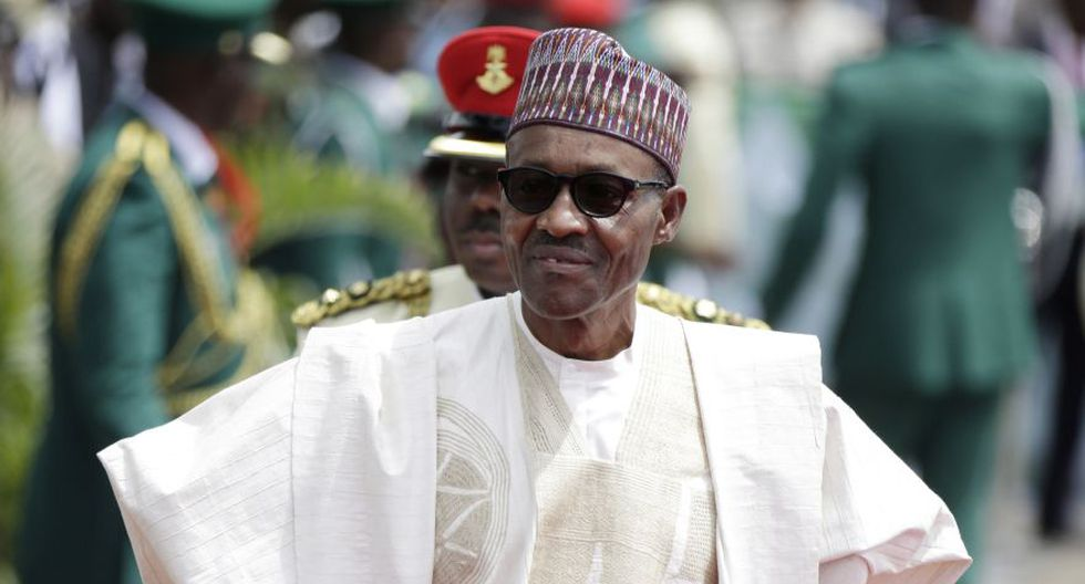'¡No soy un clon!': Presidente de Nigeria Muhammadu Buhari desmiente rumores sobre su muerte. (AP)