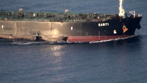 El petrolero iraní Sabiti fue atacado con misiles. (EFE).