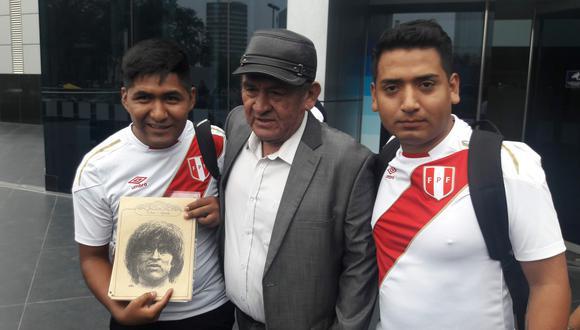 La historia del joven puneño que heredó de su padre un libro con fotos inéditas del Cholo Sotil. FOTO: Miguel Villegas.