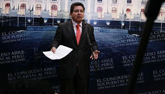 José León afirma que no renunciará a su inmunidad parlamentaria