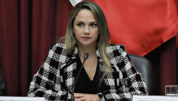 Luciana León pide iniciar proceso interno de desafiliación.
