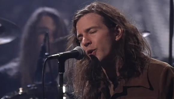 Eddie Vedder de Pearl Jam durante el concierto de Pearl Jam en 1992. (Foto: Captura de video)